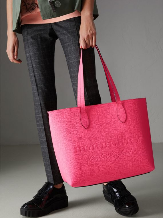 Embossed Leather Tote in Neon Pink | Burberry Singapore - cell image 3