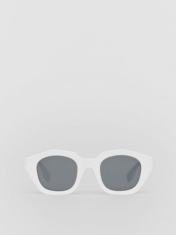 Geometric Frame Sunglasses in White