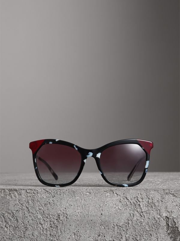 Marble-effect Square Frame Sunglasses in Dark Grey - Women | Burberry United States - cell image 3