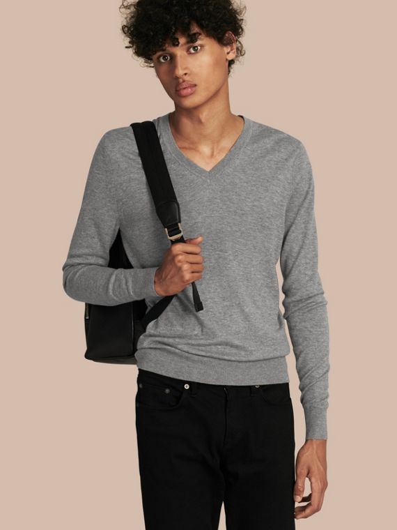 Cashmere V-neck Sweater Mid Grey Melange