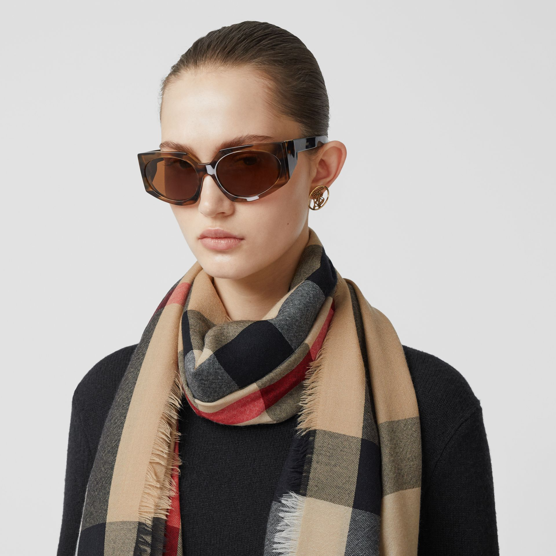 Lightweight Check Cashmere Scarf in Archive Beige | Burberry Hong Kong S.A.R - gallery image 2