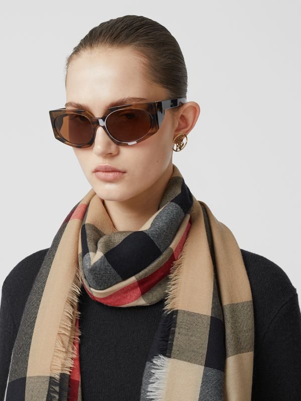 Lightweight Check Cashmere Scarf in Archive Beige | Burberry Hong Kong S.A.R - cell image 2