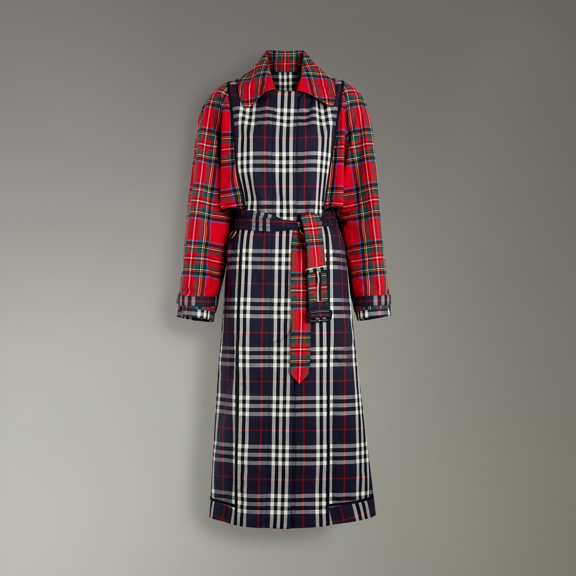 Check and Tartan Cotton Trench Coat in Navy - Women | Burberry United Kingdom - gallery image 3