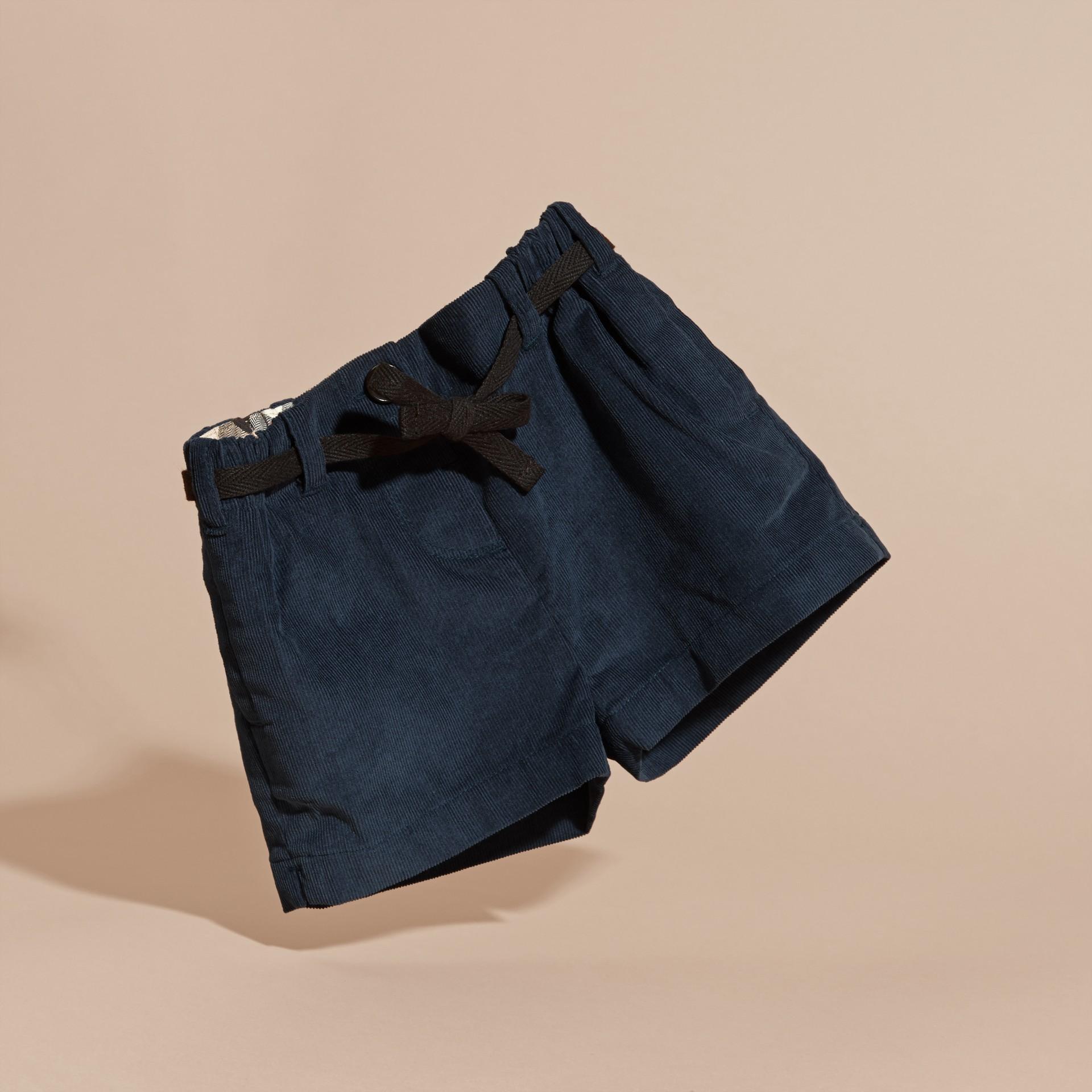 Bleu canard intense Short en velours côtelé de coton avec ceinture - photo de la galerie 3