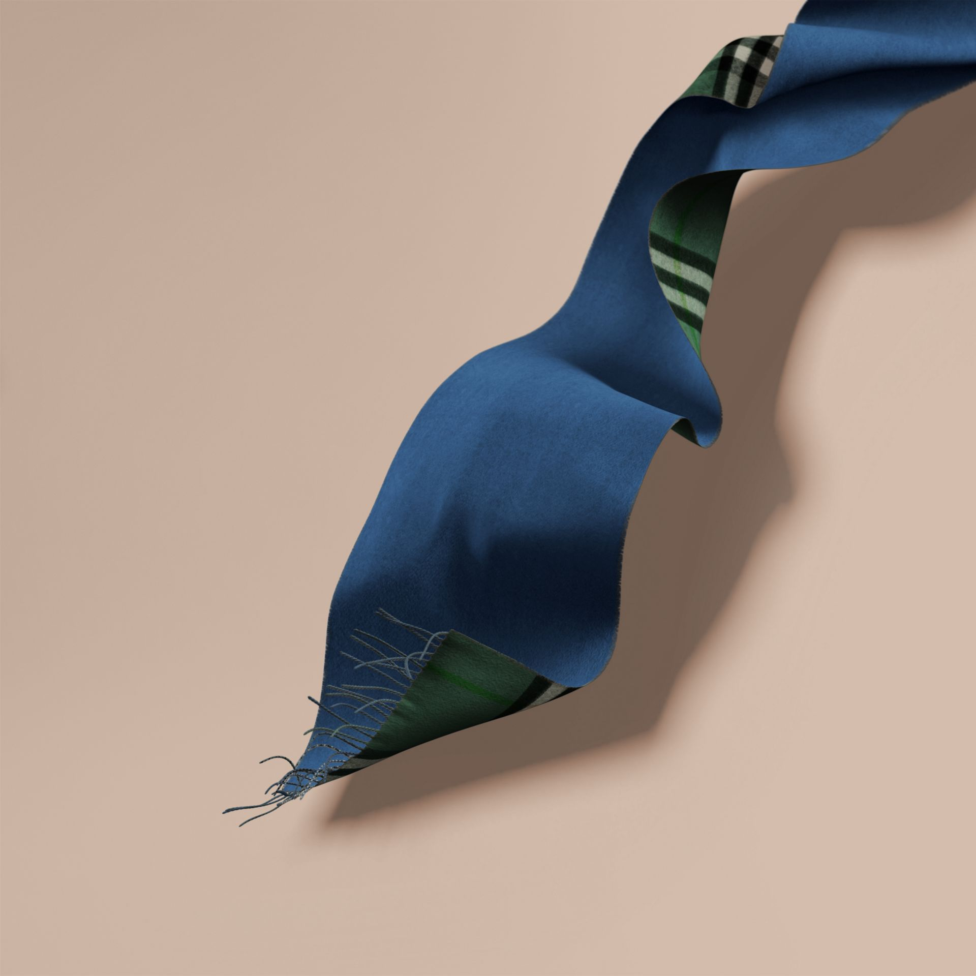 Reversible Check Cashmere and Block-colour Scarf Dark Forest Green/marine Blue - gallery image 6