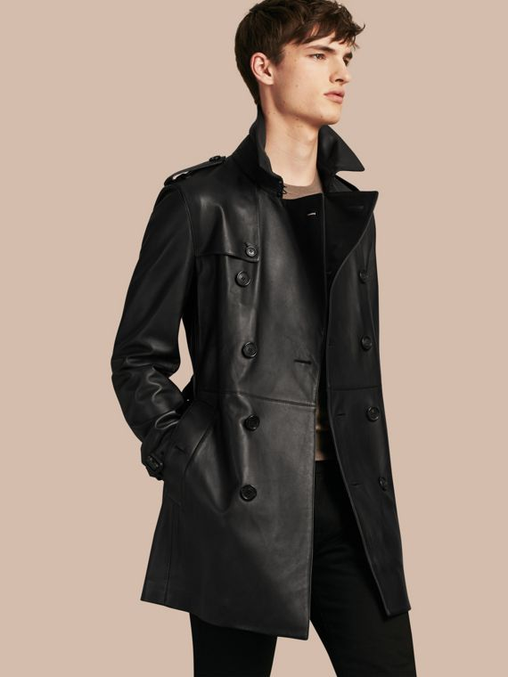 Trench-coat mi-long en cuir d'agneau