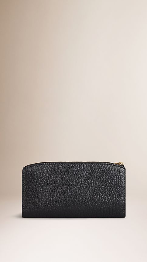 Black Signature Grain Leather Ziparound Wallet - Image 2