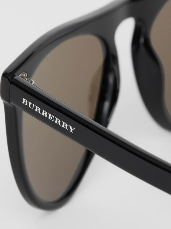 Keyhole D-shaped Sunglasses in Black - Men | Burberry United Kingdom - cell image 1