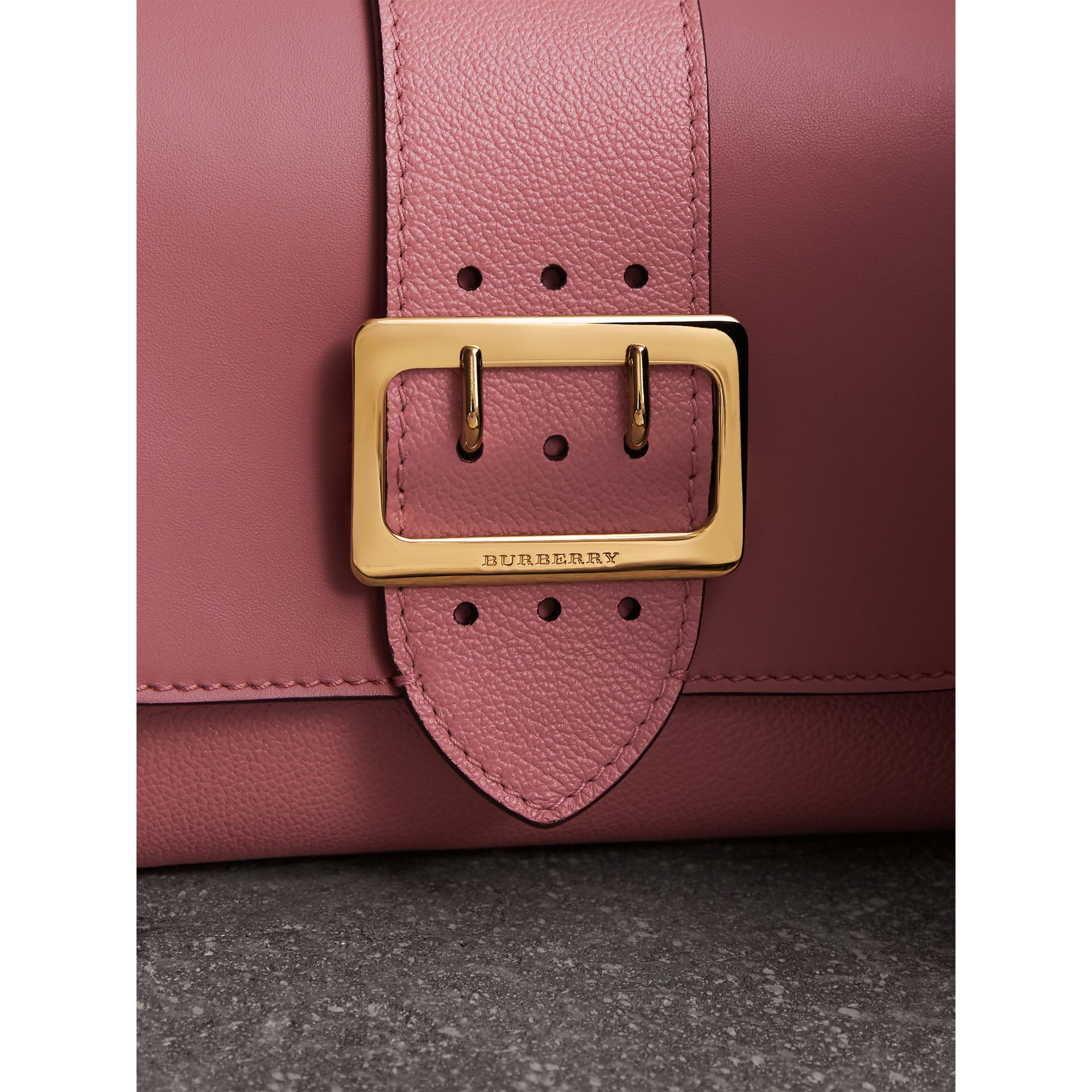 The Buckle Crossbody Bag in Leather in Dusty Pink - Women | Burberry Singapore - gallery image 2
