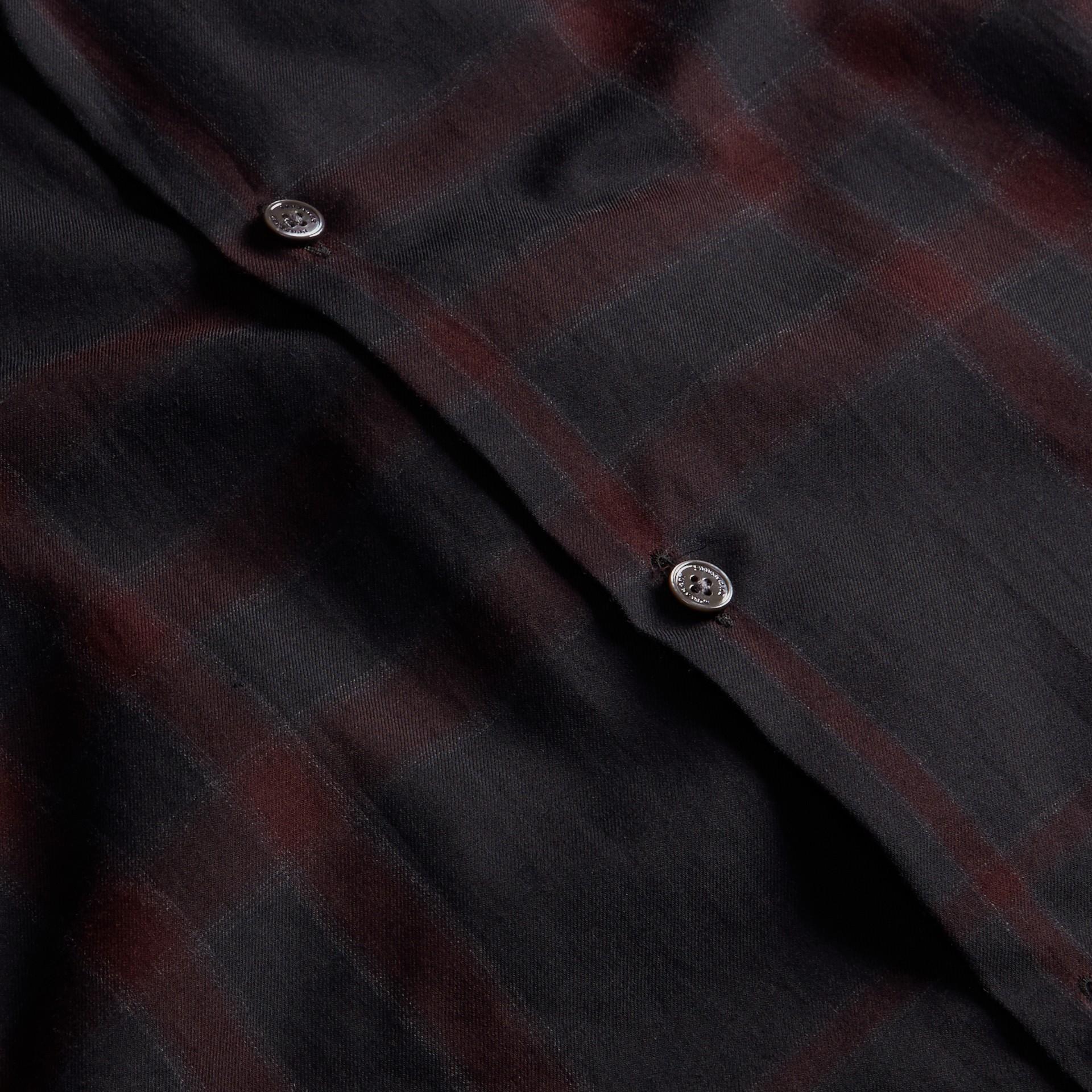 Baie de sureau sombre Chemise en coton à motif check Baie De Sureau Sombre - photo de la galerie 2