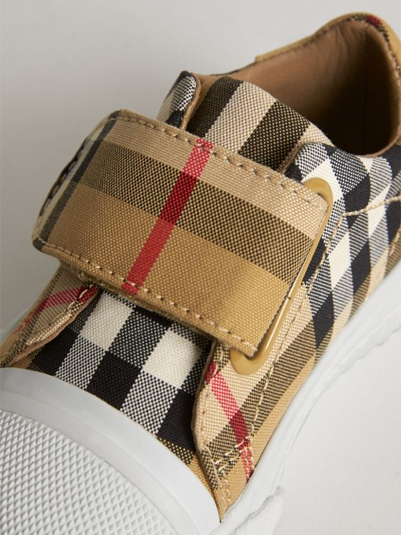 Sneakers en cuir à motif Vintage check (Jaune Antique/blanc Optique) - Enfant | Burberry Canada - cell image 1