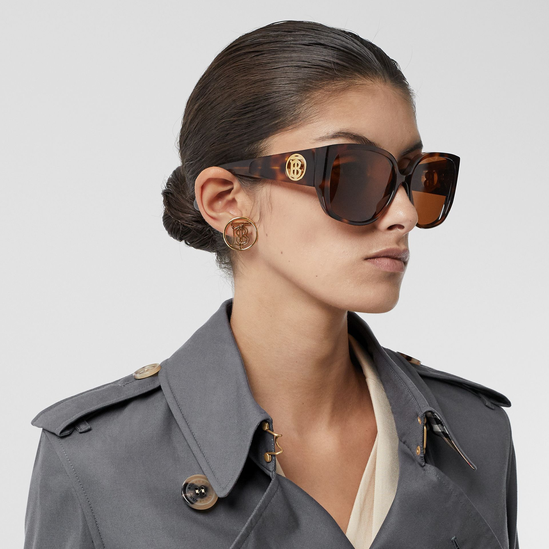 The Kensington Heritage Trench Coat in Mid Grey - Women | Burberry United Kingdom - gallery image 11
