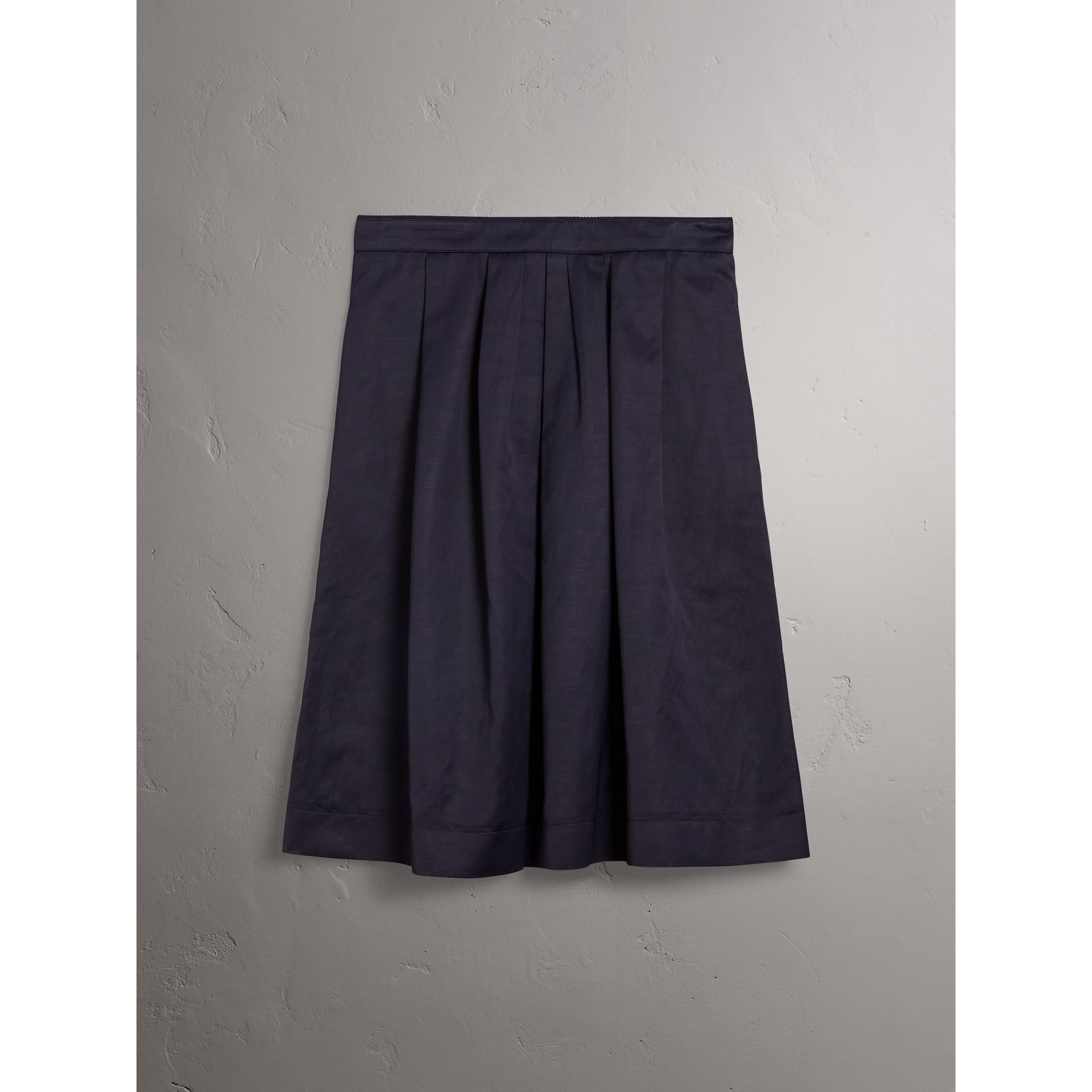 Pleated Linen Cotton Blend Skirt in Navy - Women | Burberry - gallery image 4