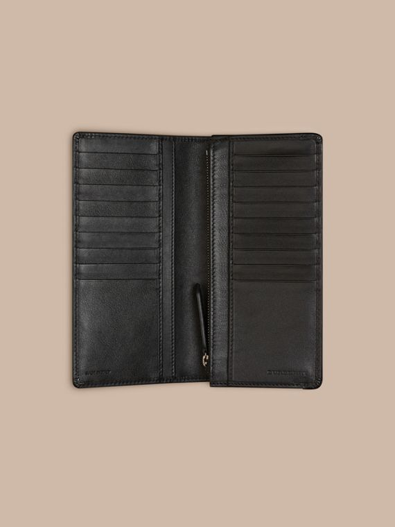 Horseferry Check Continental Wallet in Charcoal/black - cell image 3