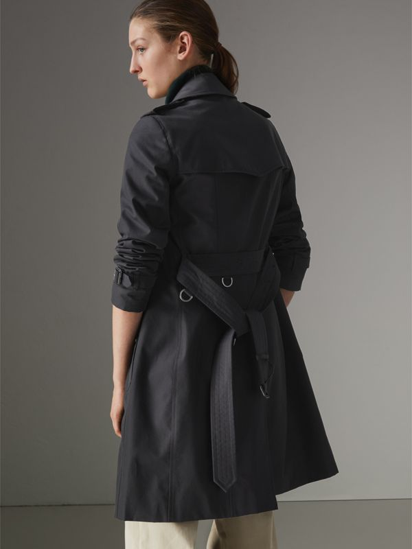 The Chelsea Heritage Trench Coat in Midnight - Women | Burberry United Kingdom - cell image 2