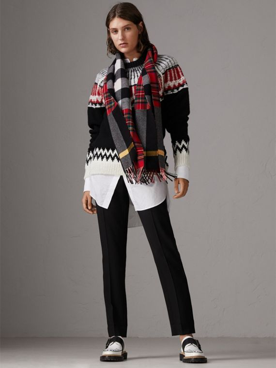 Check Merino Wool Scarf in Bright Red | Burberry United Kingdom - cell image 2