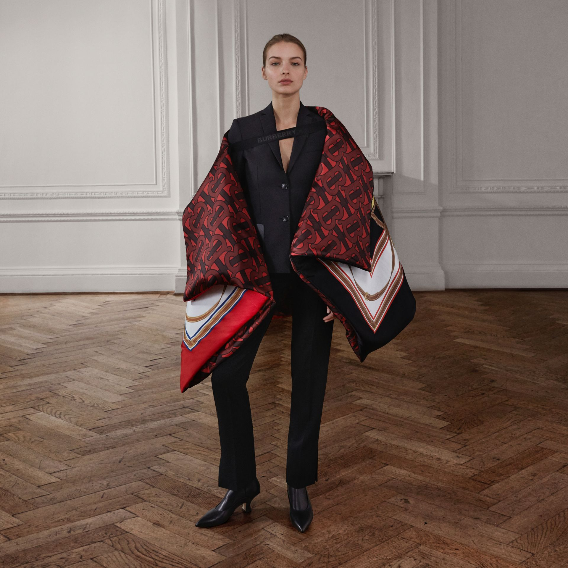 Archive Scarf Print Silk Satin Oversized Puffer Cape in Crimson - Women | Burberry United Kingdom - gallery image 1