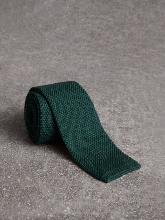 Schmale Krawatte aus Wolle in Waffelstrick (Dunkles Waldgrün)
