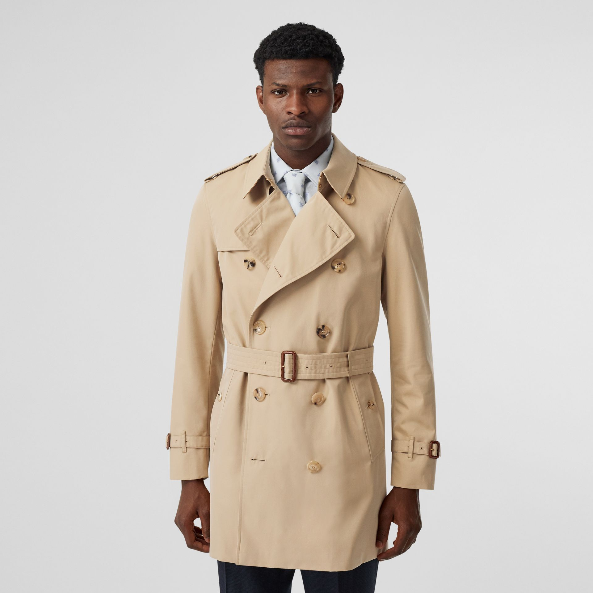 Short Chelsea Fit Trench Coat in Honey - Men | Burberry - gallery image 6