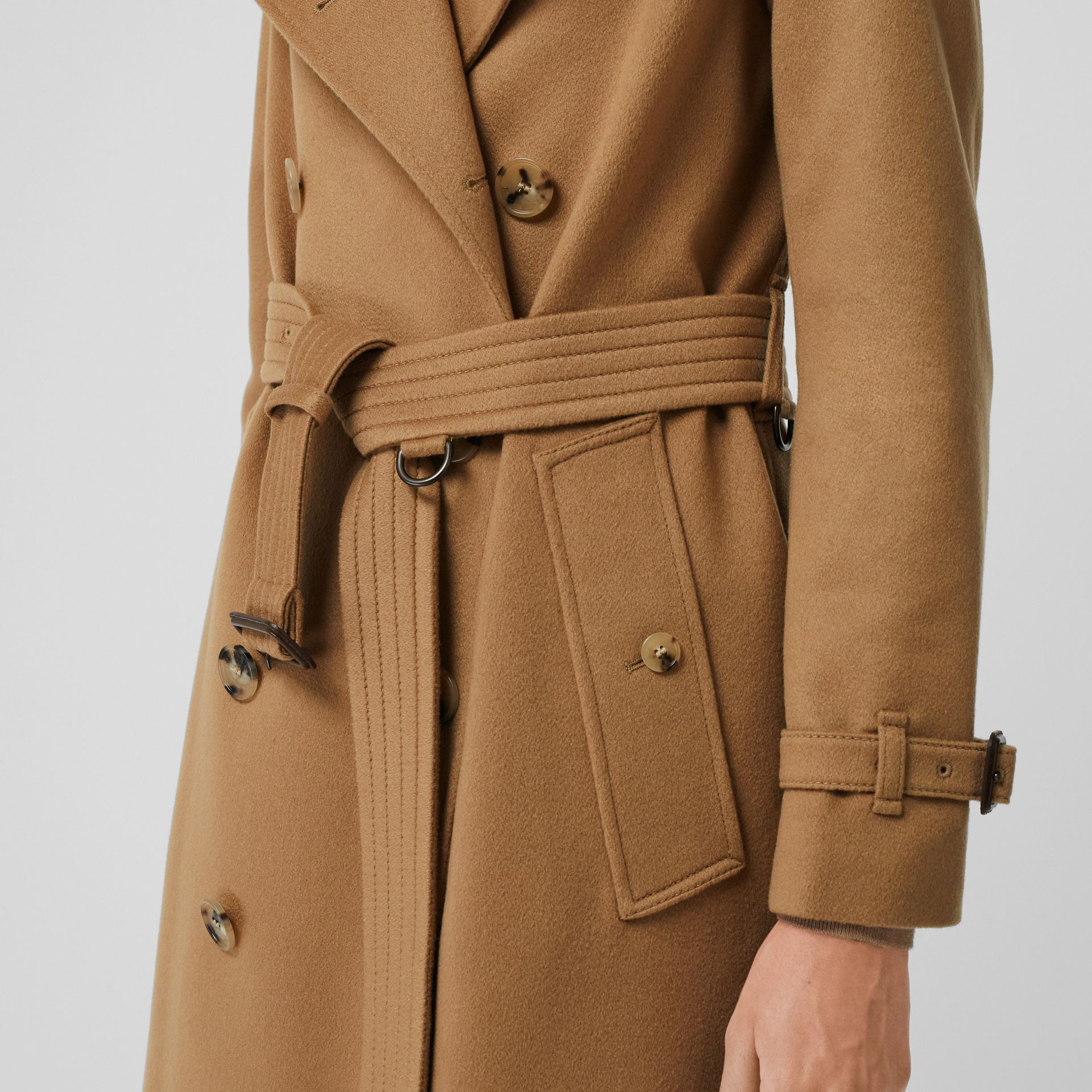 Cashmere Trench Coat in Mid Camel - Women | Burberry Hong Kong - gallery image 4