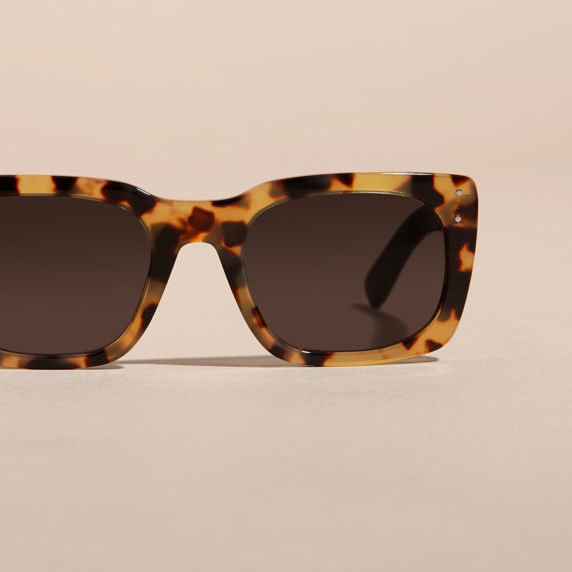 Ambra tartarugato Occhiali da sole con montatura quadrata Ambra Tartarugato - immagine della galleria 3