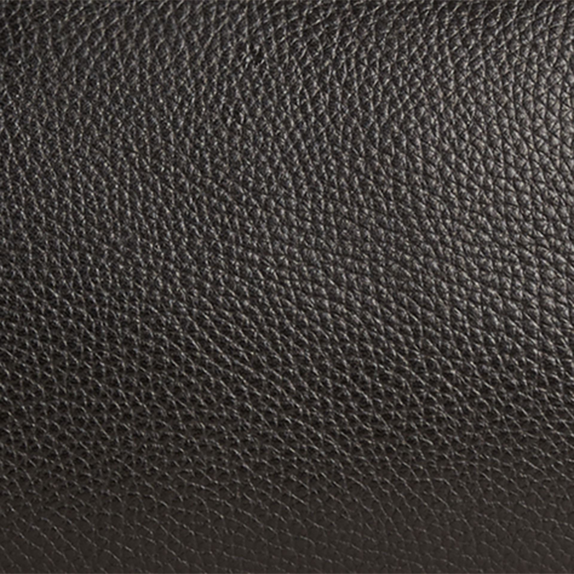 Black Grainy Leather Washbag - gallery image 2