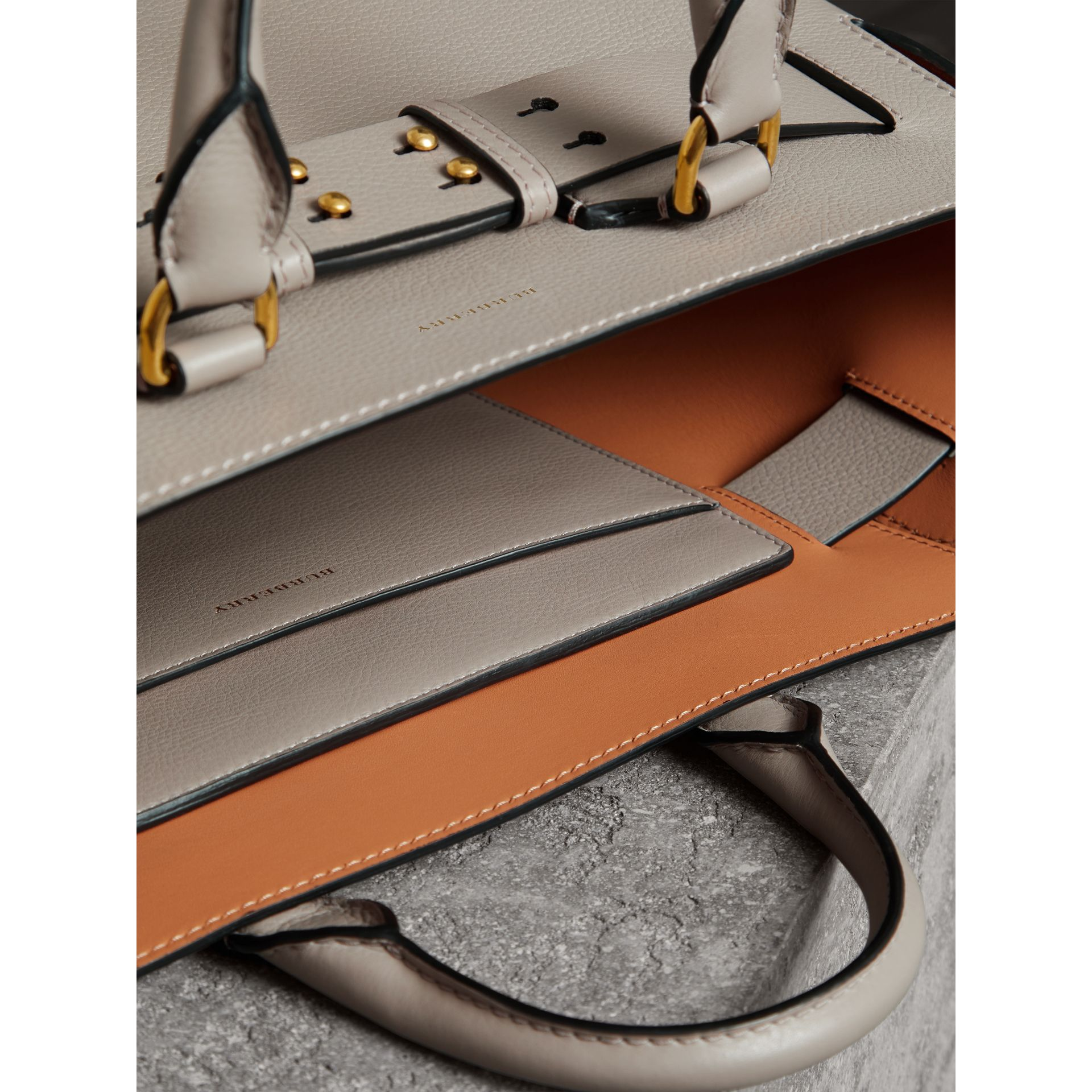 The Medium Leather Belt Bag in Mineral Grey - Women | Burberry Hong Kong - gallery image 5