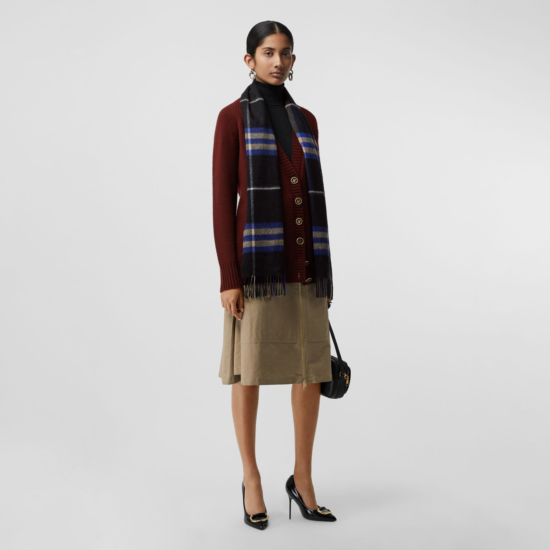 The Classic Check Cashmere Scarf in Bright Cobalt | Burberry - gallery image 2