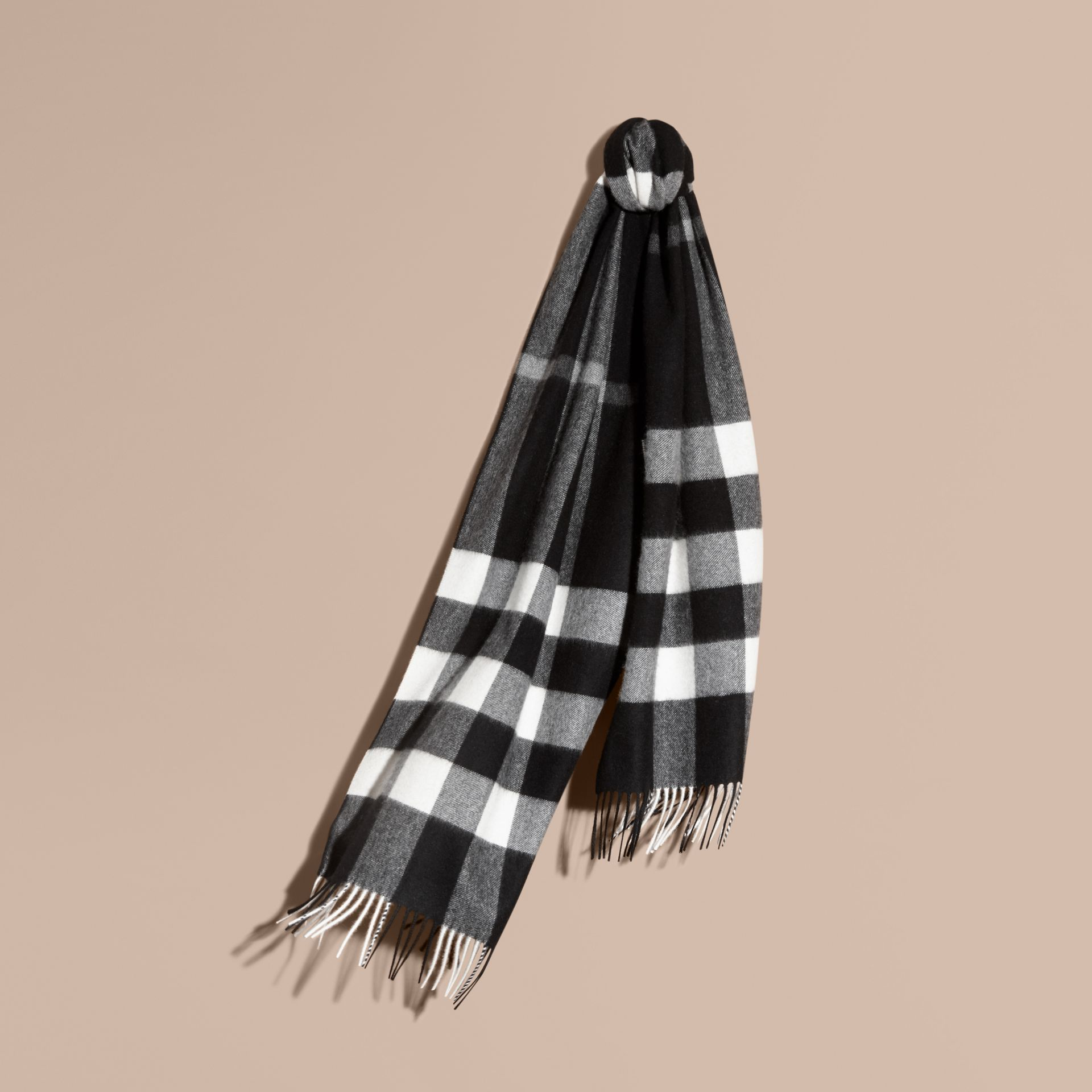 The Large Classic Cashmere Scarf in Check Black - gallery image 6