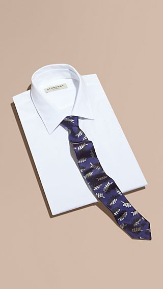 Slim Cut Leaf Jacquard Silk Tie