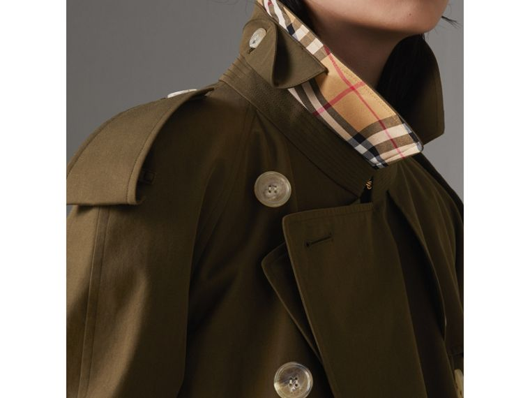The Westminster Heritage Trench Coat in Dark Military Khaki - Women | Burberry Singapore - cell image 4