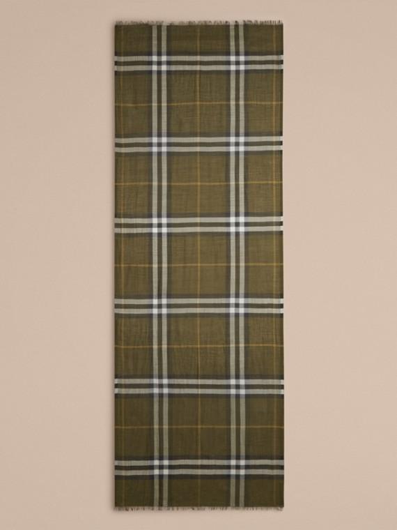 Vert olive Foulard léger en laine et soie à motif check Vert Olive - cell image 3