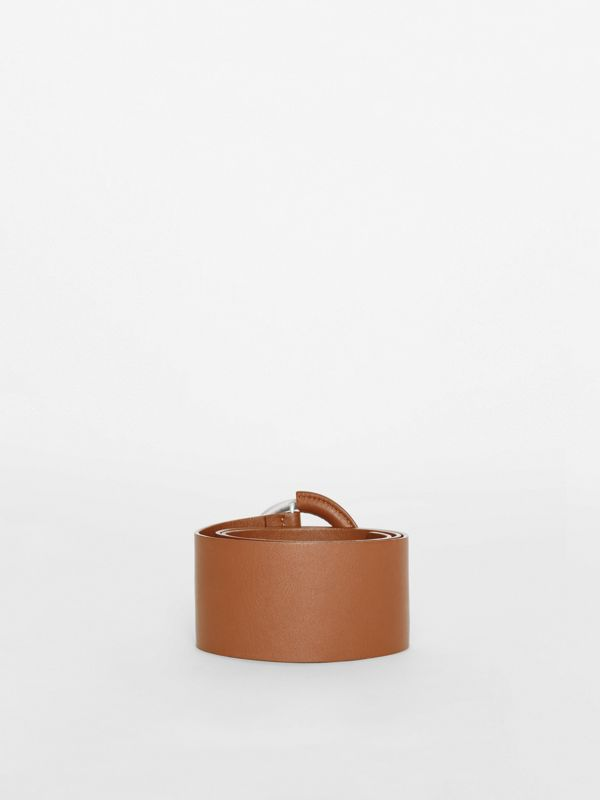 Round Buckle Leather Belt in Tan - Women | Burberry United Kingdom - cell image 3