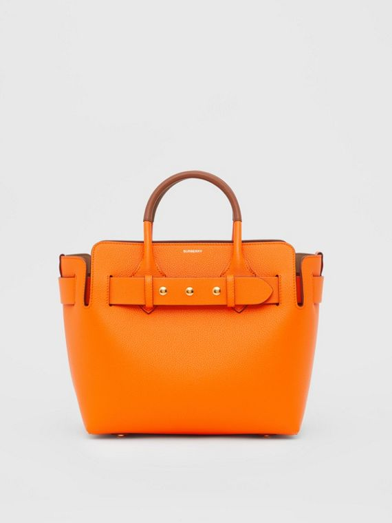 The Small Belt Bag aus Leder mit Ziernieten (Leuchtendes Orange)