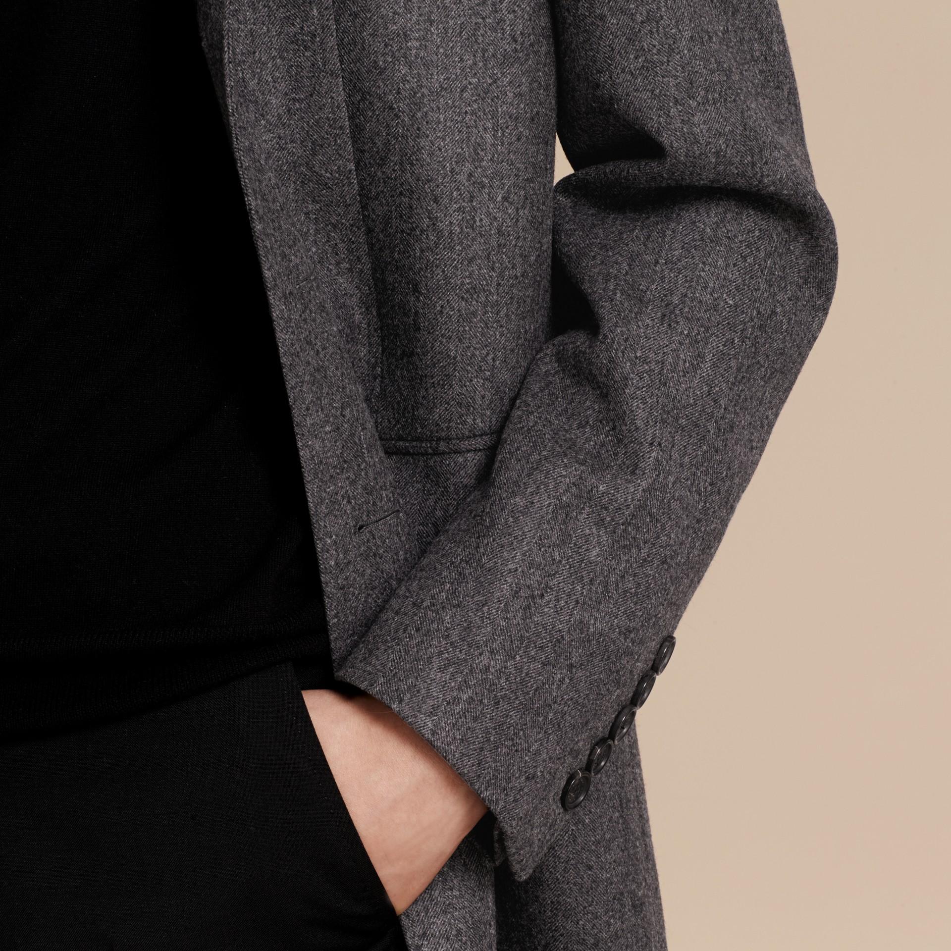 Gris moyen Manteau ajusté en laine à motifs chevrons - photo de la galerie 5