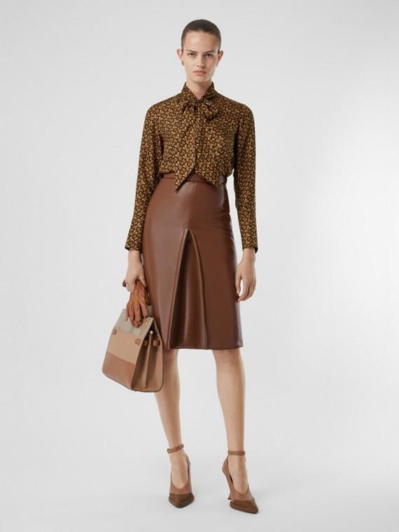 Рубашка с шейным галстуком-платком и монограммой (Темно-коричневый)