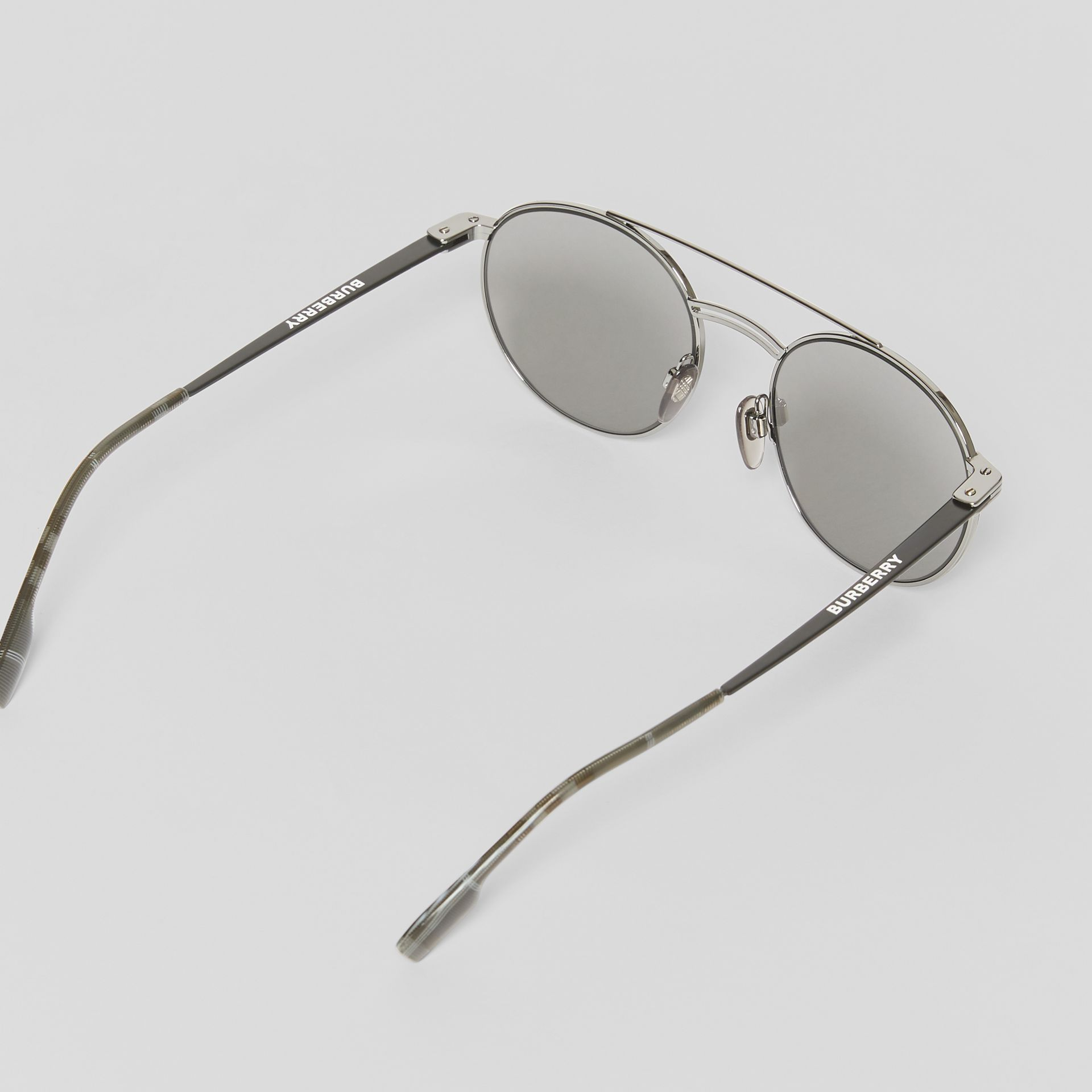 Top Bar Detail Round Frame Sunglasses in Gunmetal Grey - Men | Burberry - gallery image 4