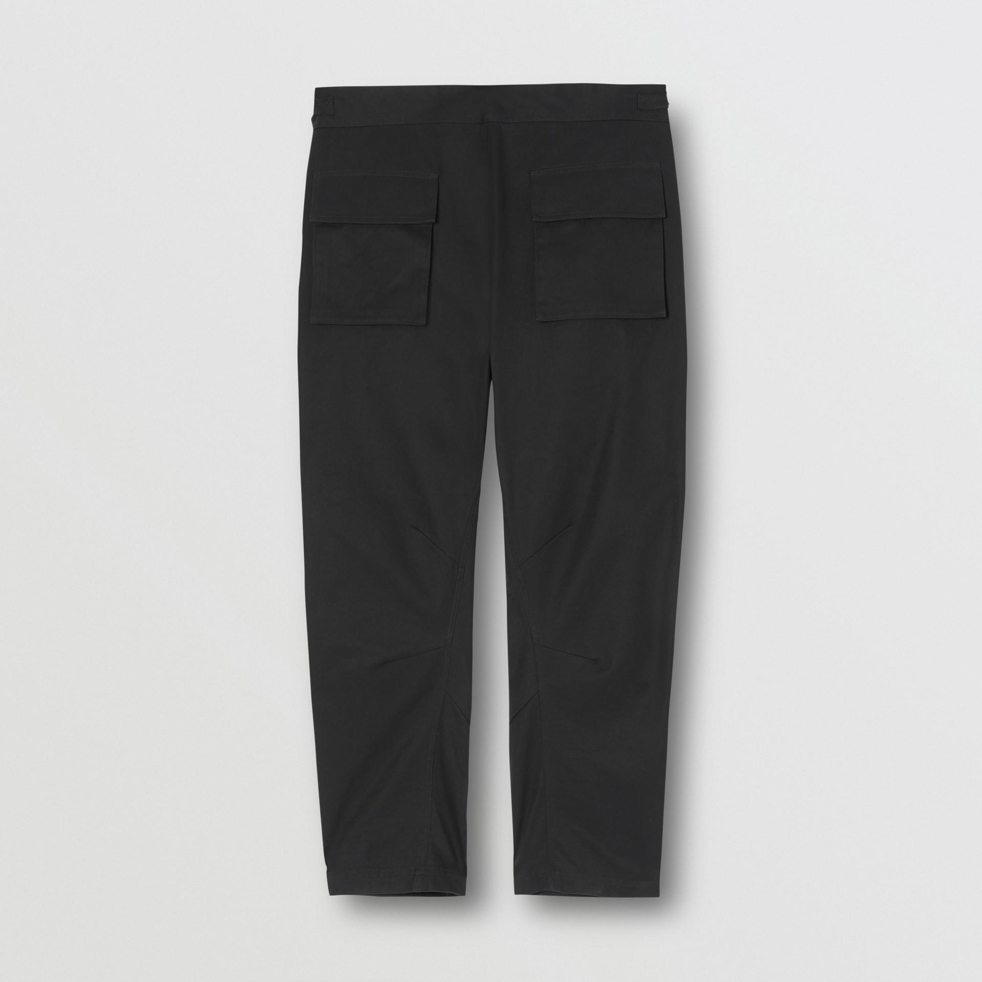 Pantalones tipo cargo en algodón (Negro) - Hombre | Burberry - imagen de la galería 5