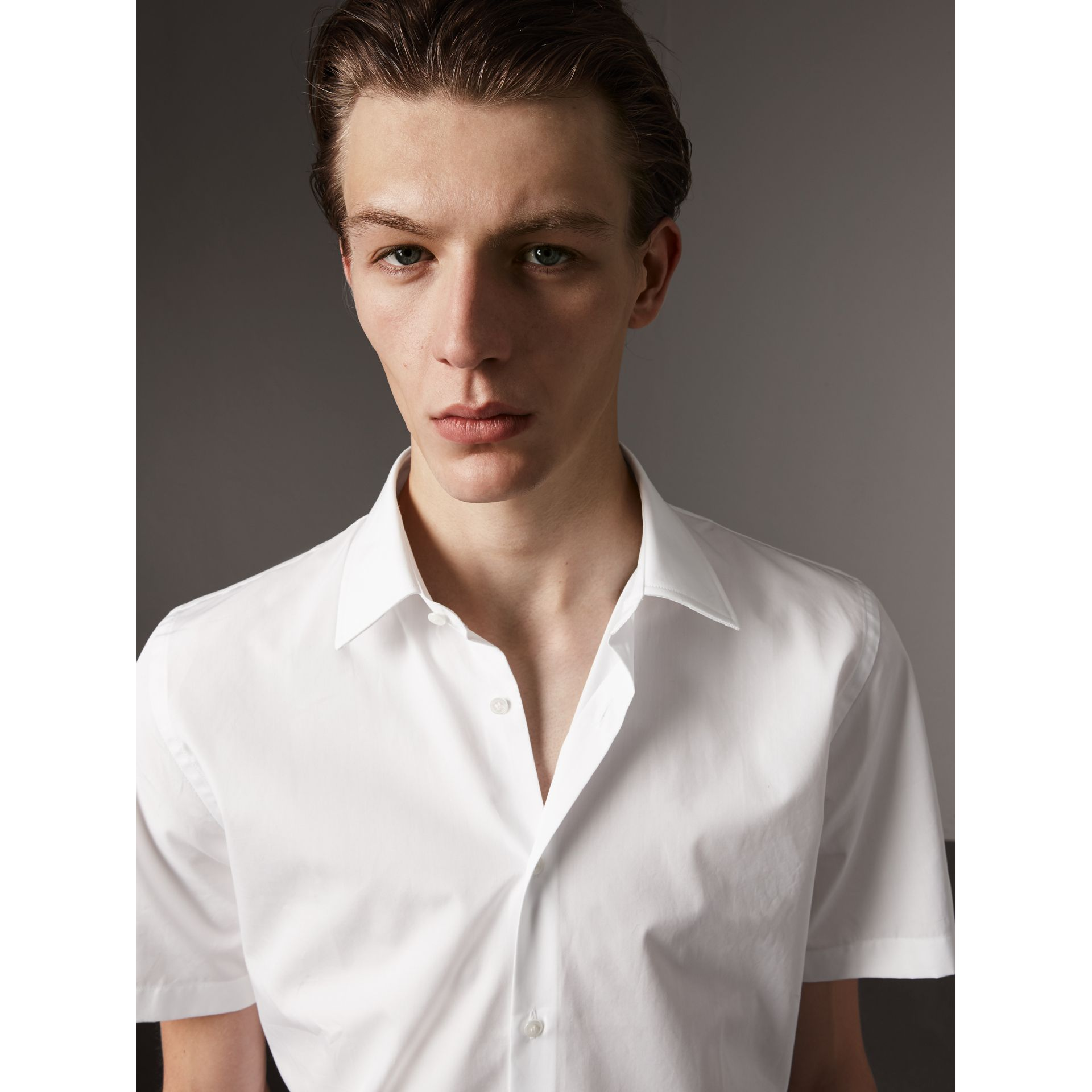Short Sleeve Cotton Poplin Shirt in White - Men | Burberry - gallery image 2