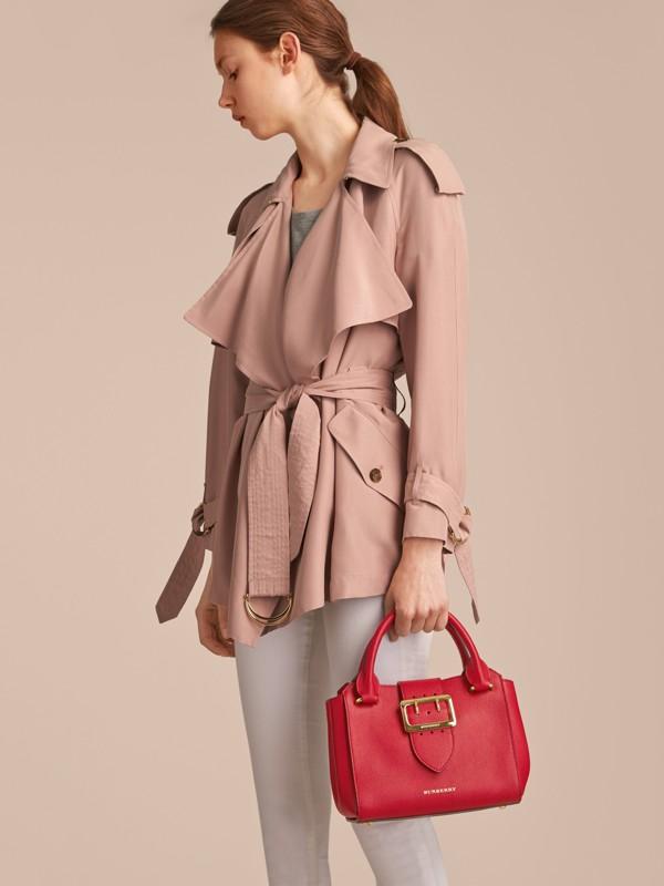 Bolsa tote Buckle de couro granulado - Pequena (Vermelho Paixão) - Mulheres | Burberry - cell image 3