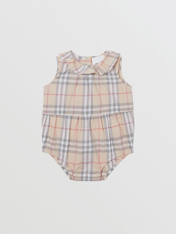 Vintage Check Cotton Three-piece Baby Gift Set in Pale Stone - Children | Burberry United States - cell image 2