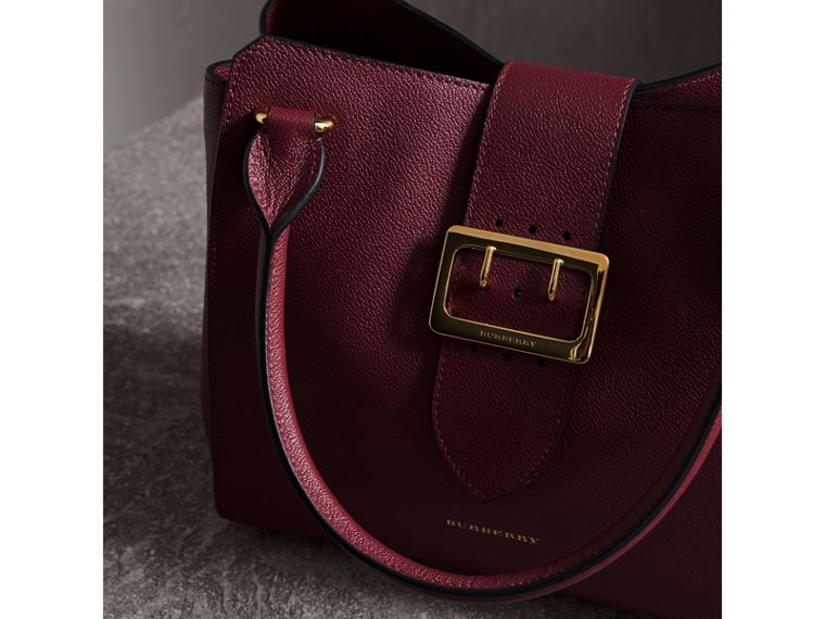 The Medium Buckle Tote in Grainy Leather in Dark Plum - cell image 4