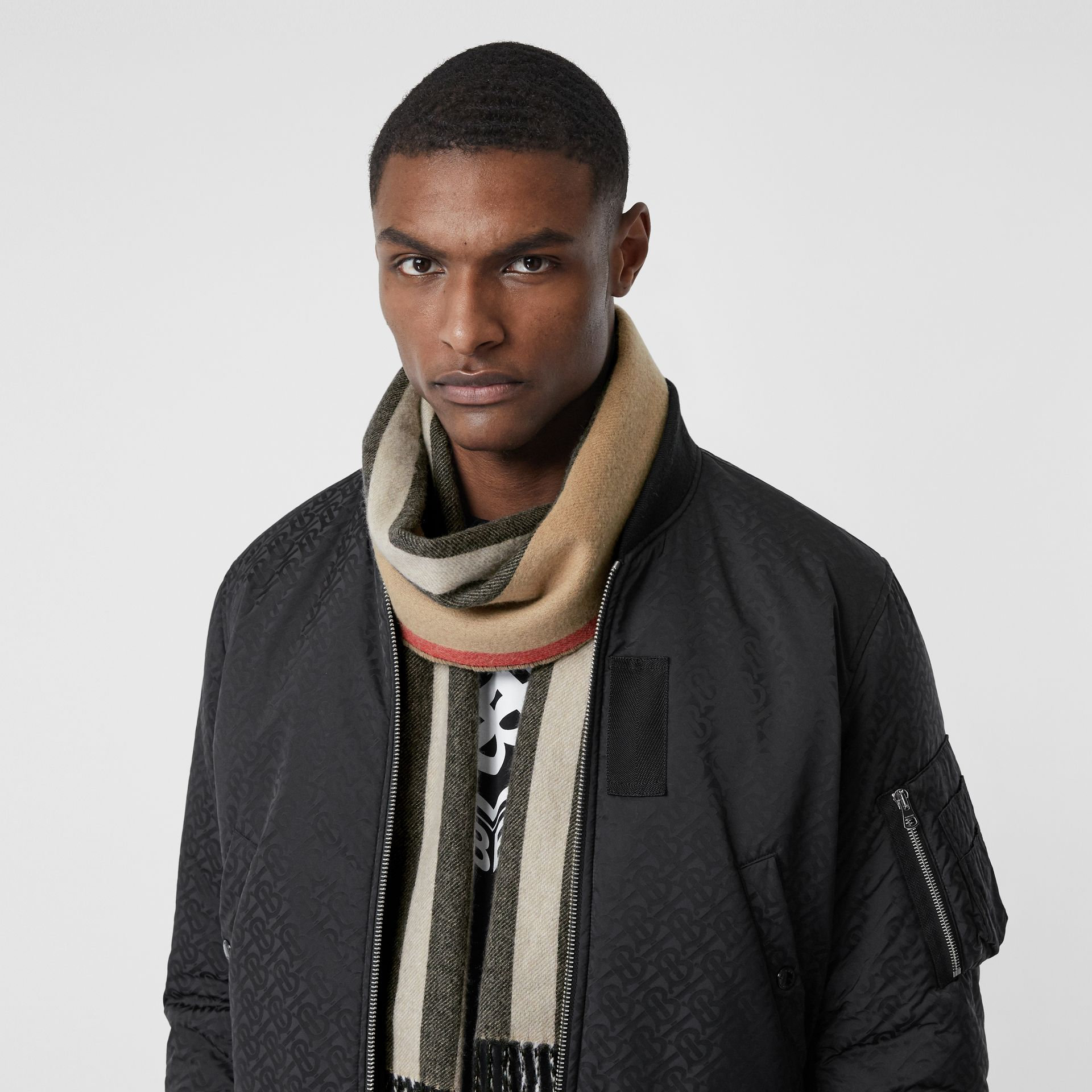 Reversible Icon Stripe Cashmere Scarf in Archive Beige | Burberry Canada - gallery image 3