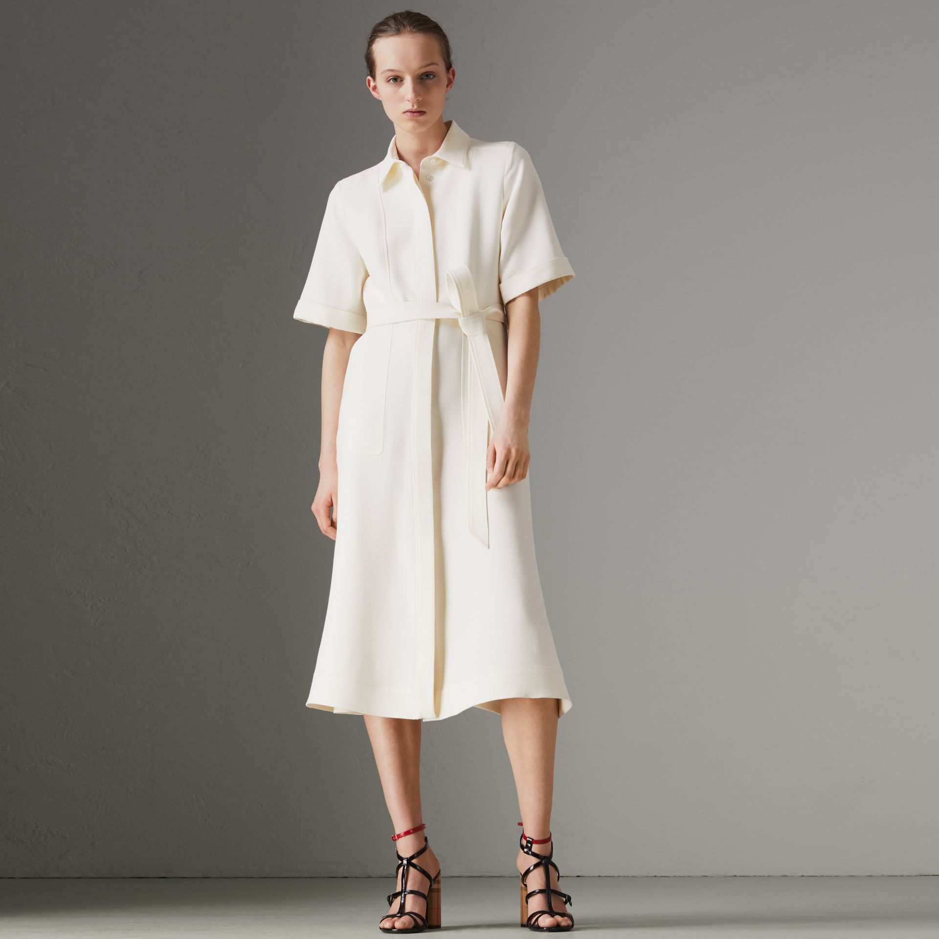 Short-sleeve Wool Silk Shirt Dress in Off White - Women | Burberry Singapore - gallery image 3