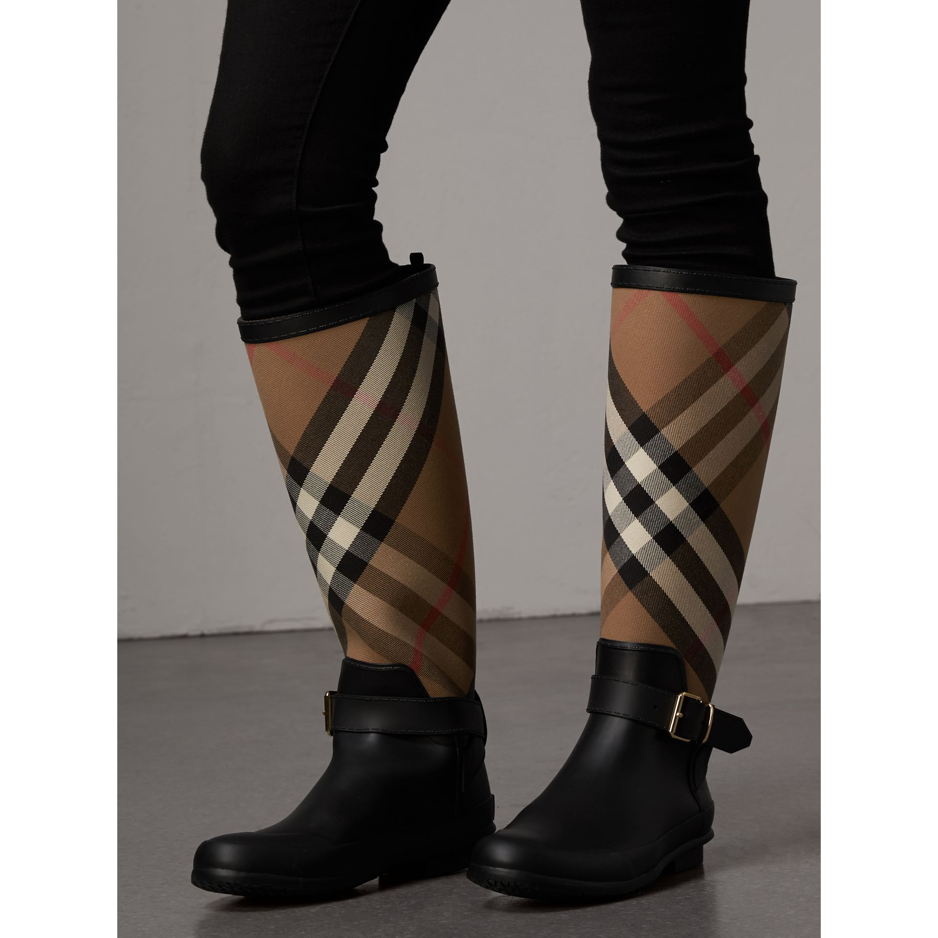 Belt Detail Check and Rubber Rain Boots in House Check/black - Women | Burberry Singapore - gallery image 2