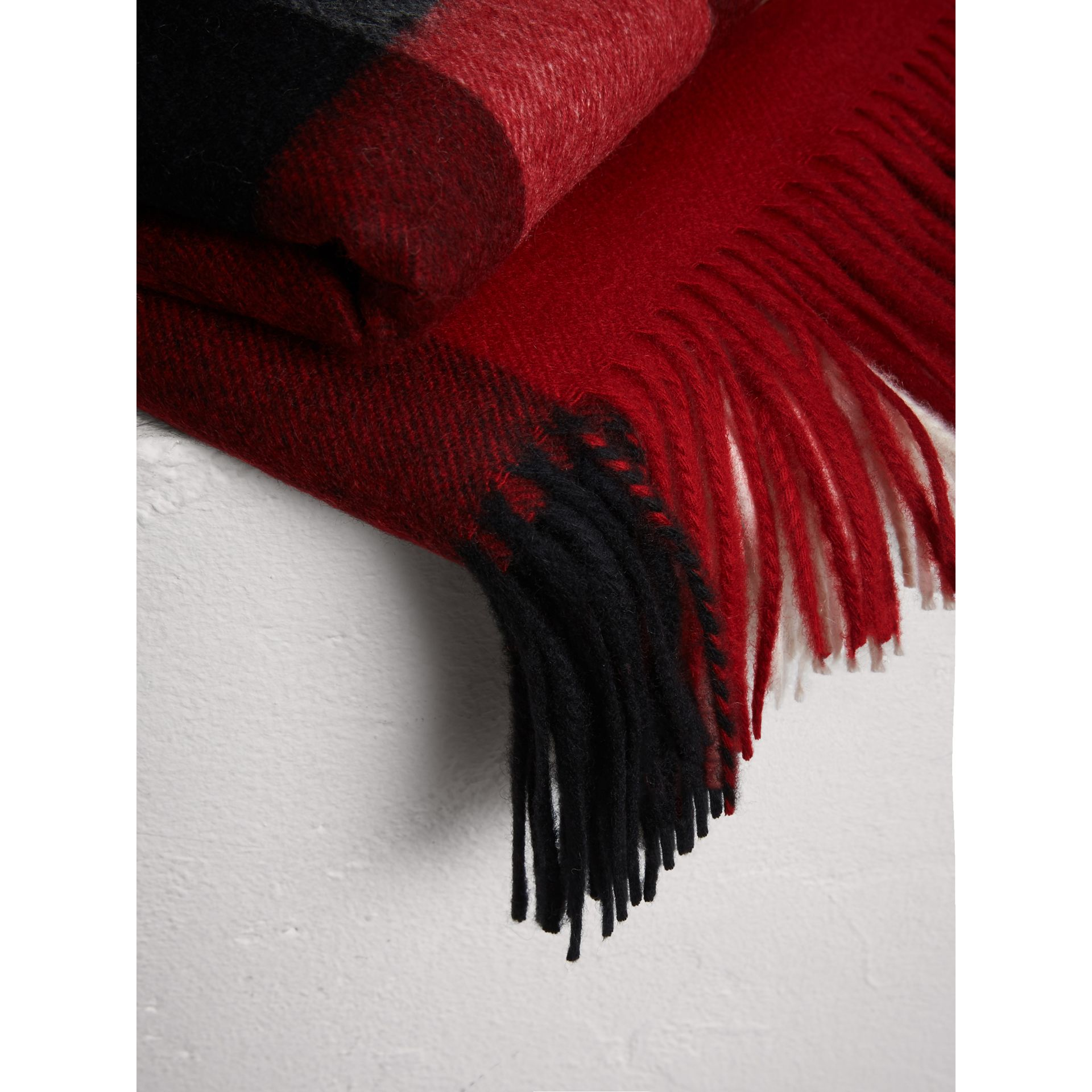 Check Cashmere Blanket in Parade Red | Burberry United Kingdom - gallery image 1