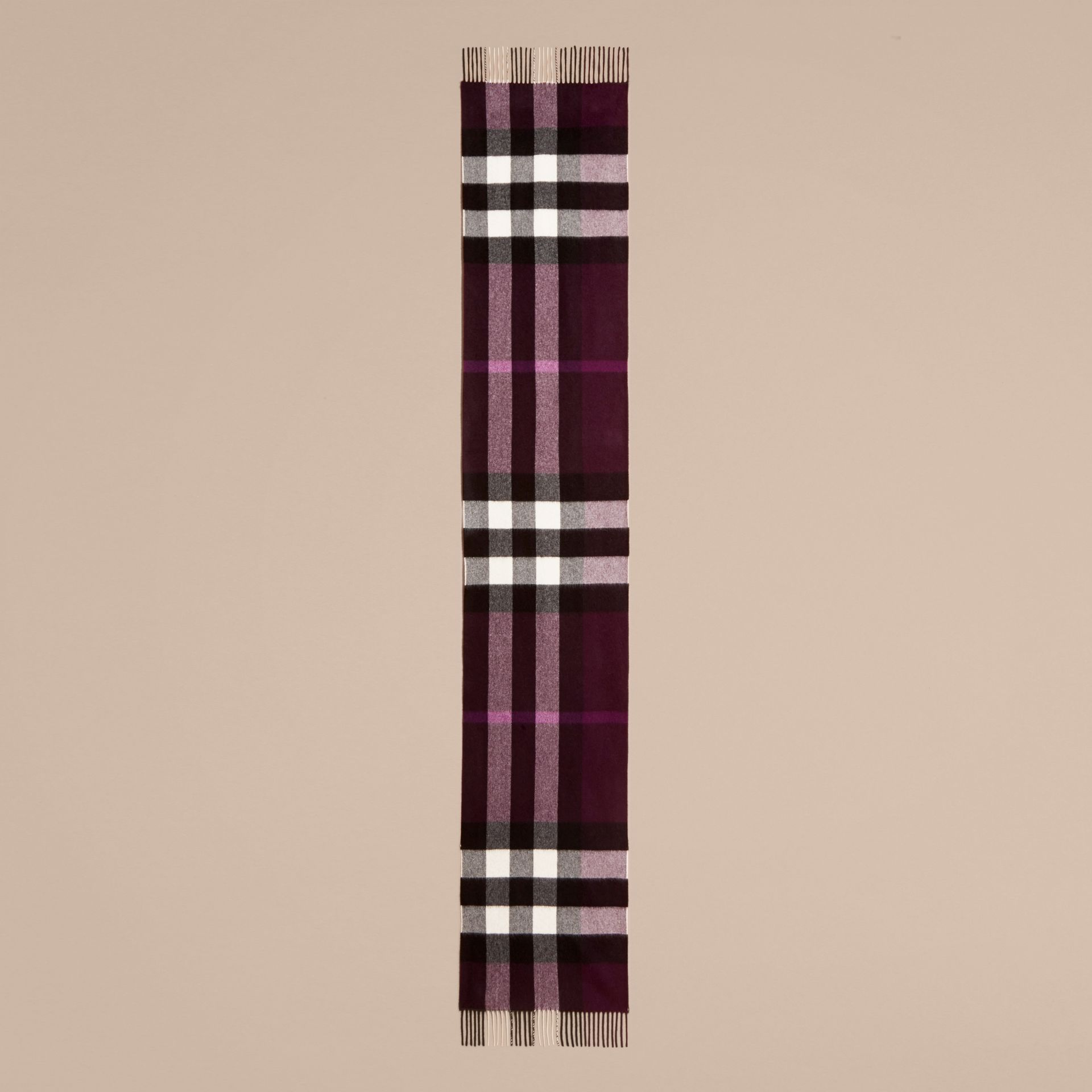 The Large Classic Cashmere Scarf in Check in Aubergine | Burberry - gallery image 7