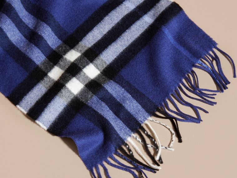 The Classic Cashmere Scarf in Check  Bright Sapphire - cell image 4
