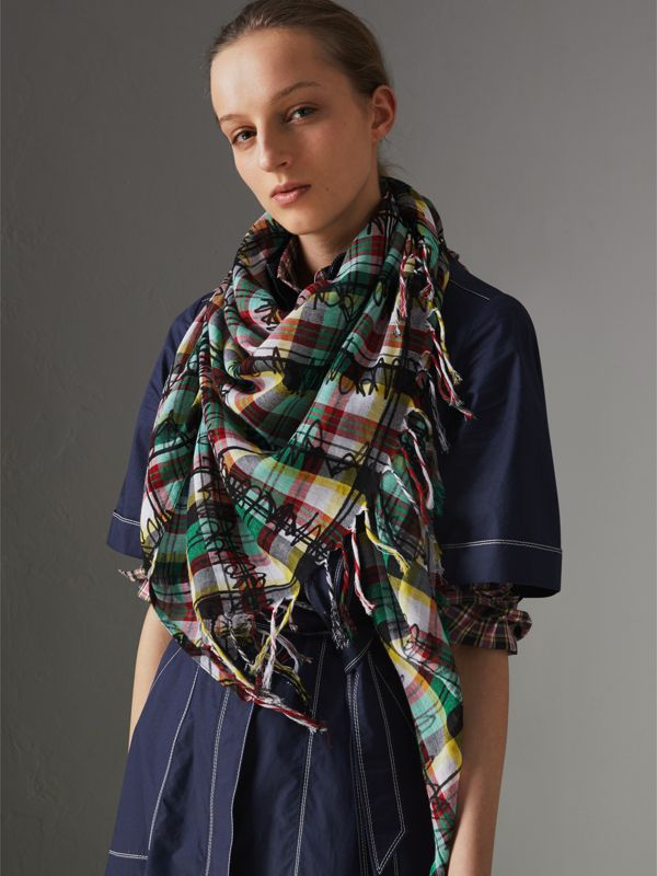The Burberry Bandana in Scribble Check Cotton Silk in Pine Green | Burberry - cell image 3