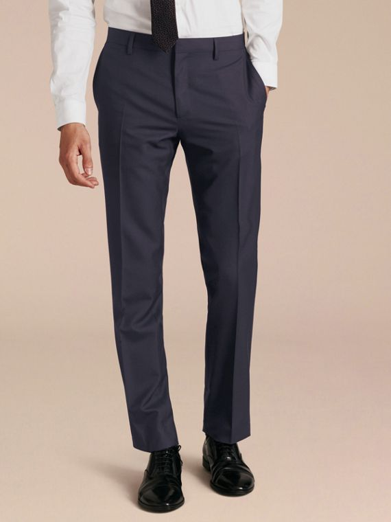 Modern Fit Wool Trousers in Navy